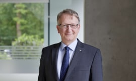 Dr. Jörg Wissdorf as new member of the executive board at Sikora