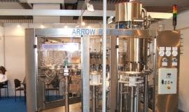 Nowe maszyny Arrow PET do napełniania butelek PET