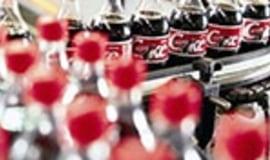 Lżejsze opakowania Coca Coli