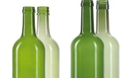Innowacje firmy O-I w produkcji opakowań szklanych