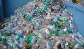 Tak działa instalacja do recyklingu butelek PET