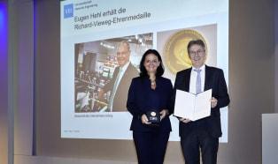 Arburg: Seniorchef Eugen Hehl für Lebenswerk ausgezeichnet