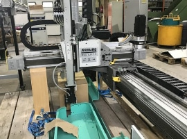 Robot - Arburg Multilift