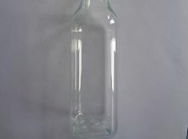 240 ml quadratische PET-Flasche.