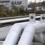Niskie ceny gazu i ropy zmniejszają