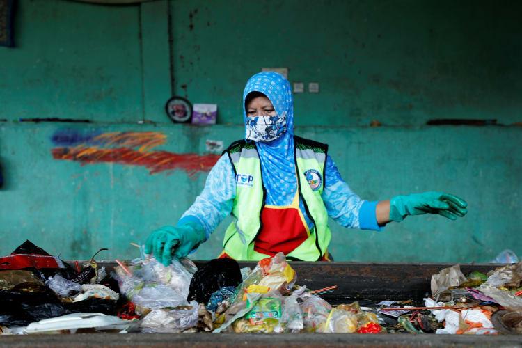 muncar-waste-sorting-2-1-c-project-stop