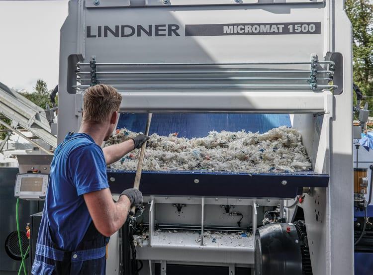 lindner-micromat-service-flap