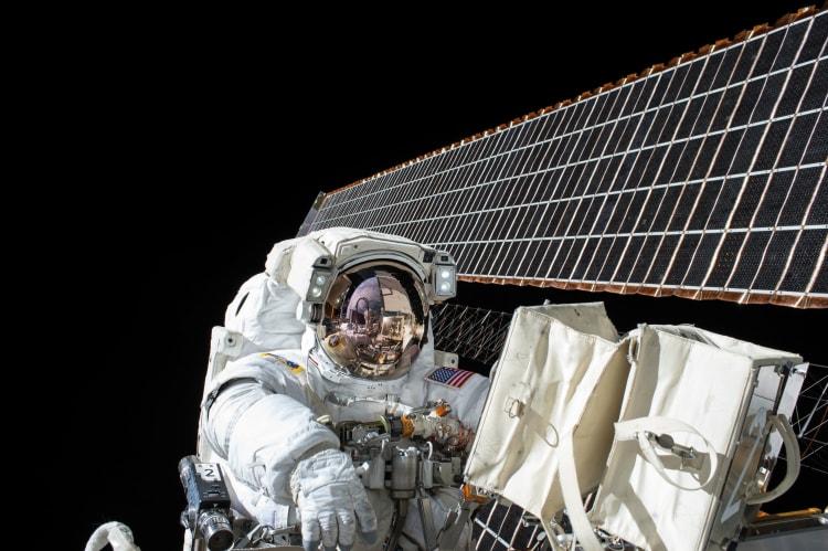 astronaut-1082186-kopia-rgb