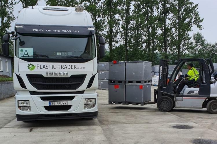 plastic-trader-tir-33