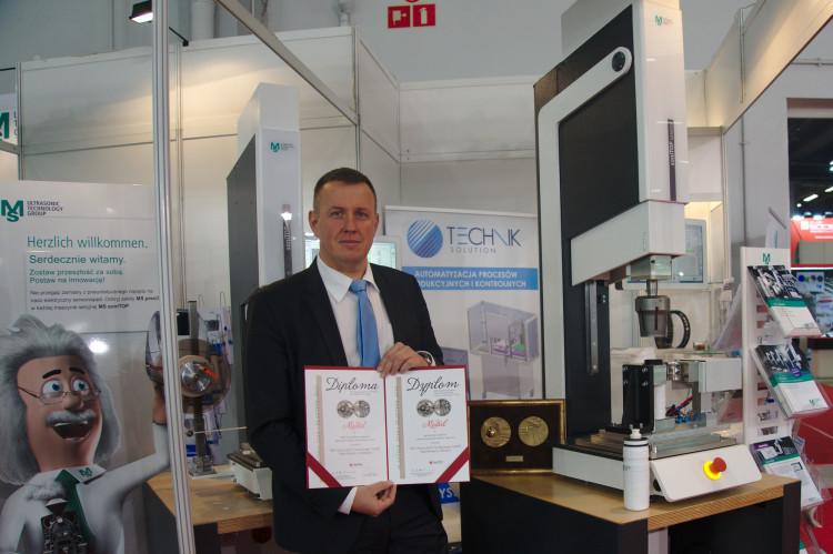 Zgrzewarka soniTop z monitorowaniem jakości zgrzewu - MS Ultraschall Technologie GmbH - Spaichingen, Niemcy