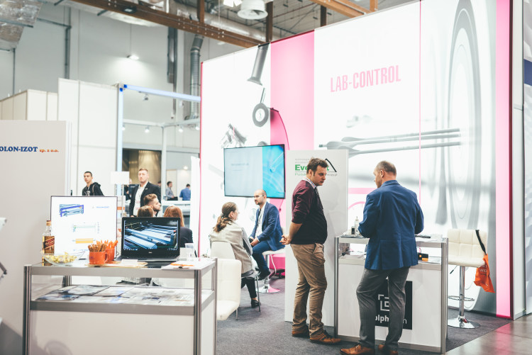 kompozyt-expo-2019-lab-control