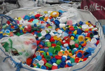 odpady tworzyw sztucznych - plastbud