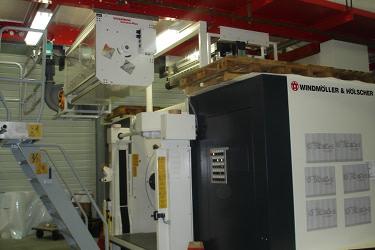 Stacja Corona Plus model VE1C z 4 elektrodami ceramicznymi do aktywacji zarówno materiałów przewodzących (metalizowanych), jak i nieprzewodzących