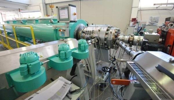 Technologia wytłaczania rur dwuwarstwowych polietylenowych na Plastpolu