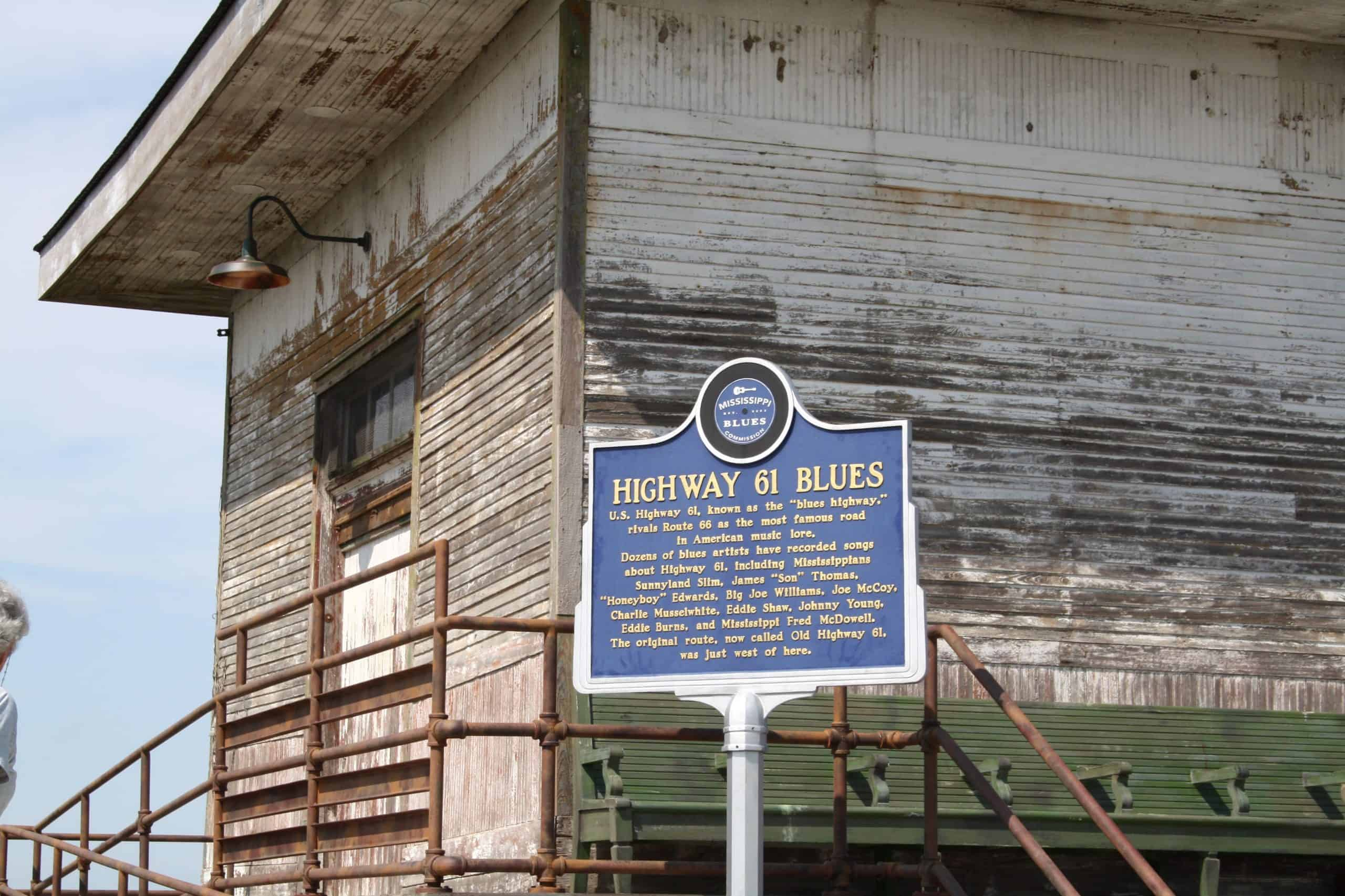 Mississippi Blues Trail sign marking Highway 61