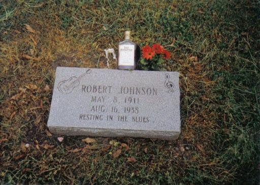An alternate gravesite for Robert Johnson