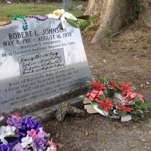Robert Johnson's adorned grave