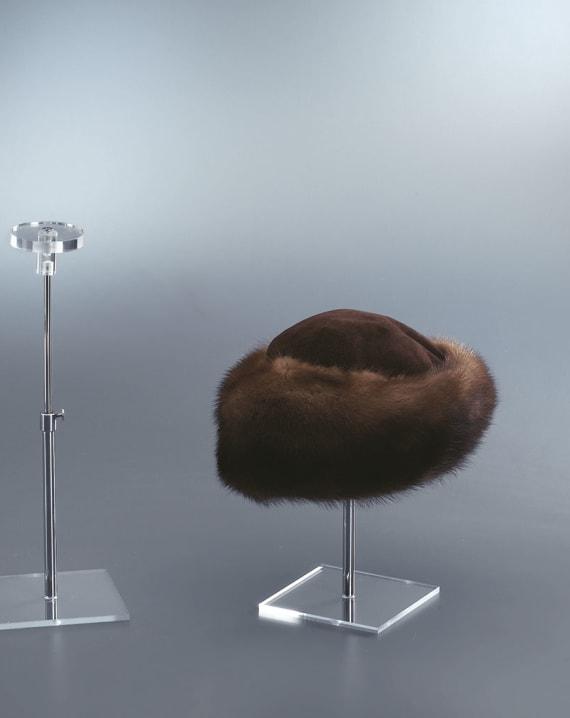 Espositore porta cappelli lombardone eurovetrina for Porta cappelli