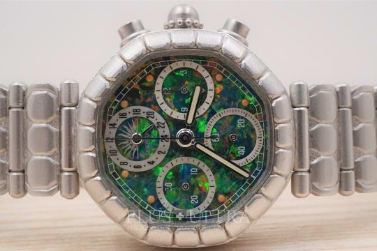 Gerald Genta Platinum Chronograph, Mesmerizing Opal Dial, Mecaquartz
