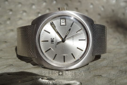 IWC Electronic with Integrated Bracelet, Tuning Fork cal150 in White Gold, Rare