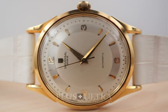 Universal Geneve 1952 18K Gold Cased Bumper Automatic 138SS with Two Tone Dial