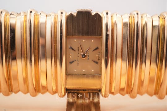 Universal Geneve Golay Fils & Stahl: 40s Rose Gold Ladies Bracelet Watch with Concealed Dial