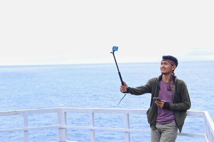 Man selfie at Gesing Beach