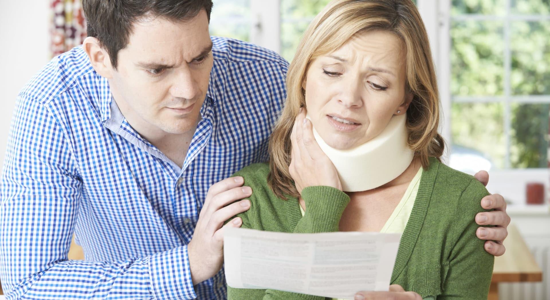 Erstatning for nakkesleng etter bilulykke.