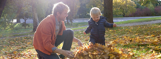 leaf-rubbing-toddler