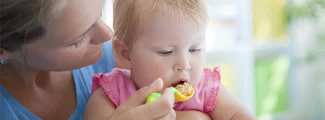 Feeding your baby three tips to get it right