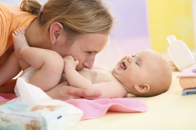 pampers-baby-wipes-how-do-they-work