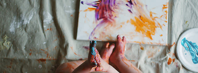 Toddler activities: finger-painting fun