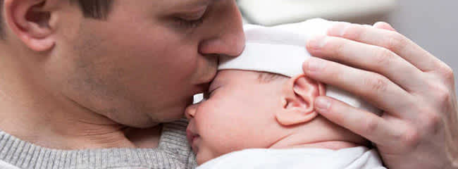 Dad Pampers a Baby too #ItTakes2