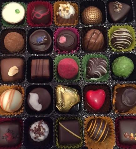 Mixed Chocolates & Truffles Gift Box 2