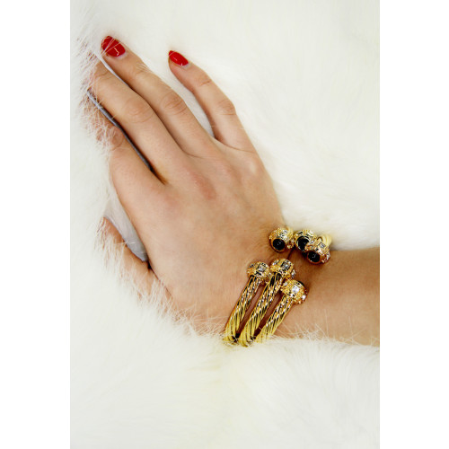 Elegant Gold & Silver Bracelet with Stone Image
