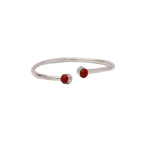 Elegant Bracelet with Stone Image