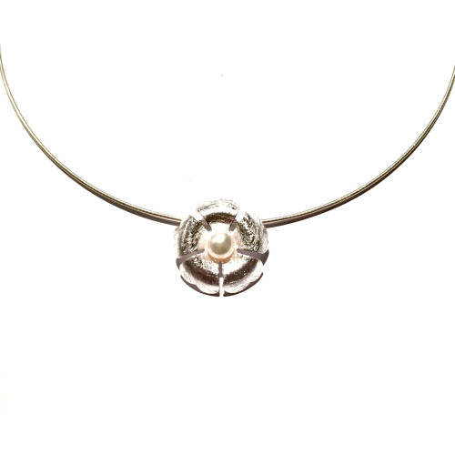 Sterling Silver & Freshwater Pearl Clover Pendant Image
