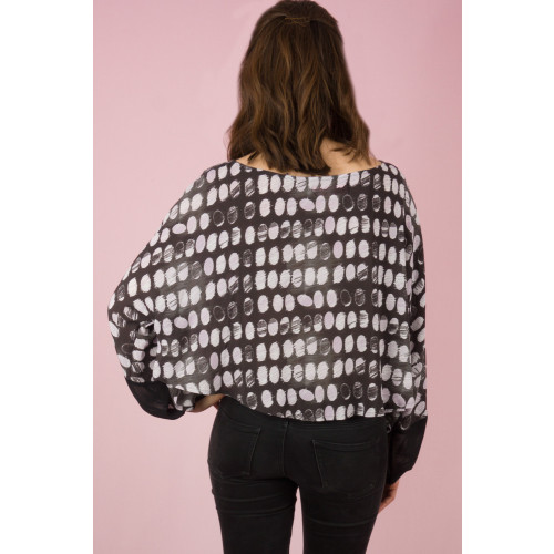 cocoon patterned top Image