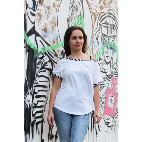 African Cotton T-shirt with Kente Print Binding Image