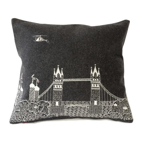 Tower Bridge by Night Image