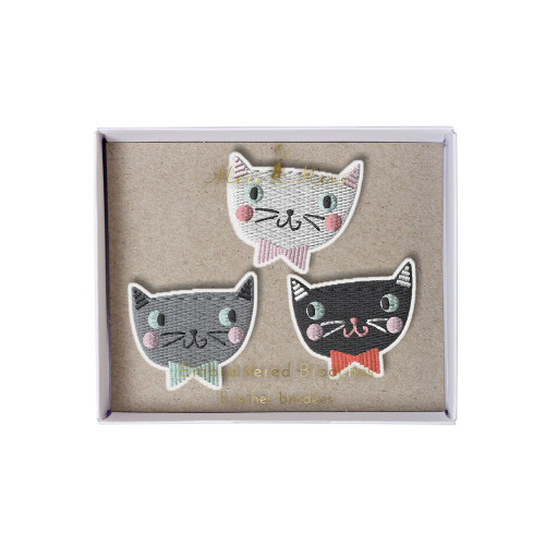 Embroidered Cat brooches Image