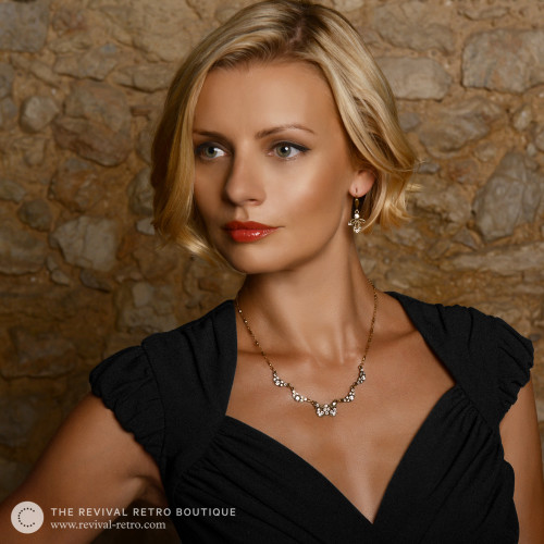 Fancy Bows Necklace Image