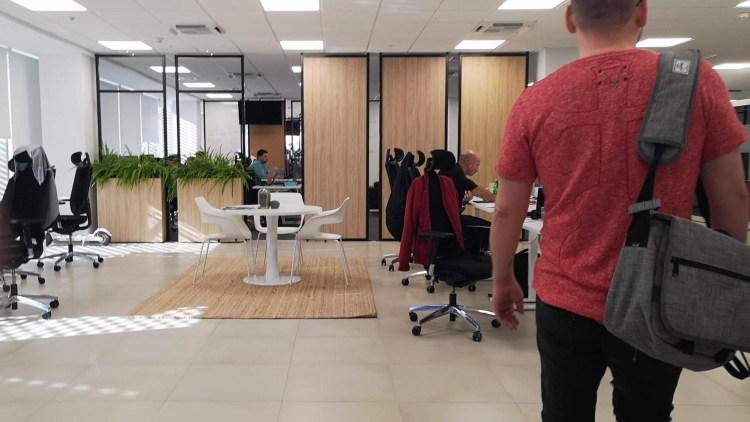 プレインゴーオフィス内の様子