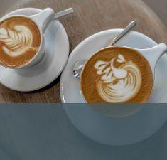 Café vai melhor como: adoçado ou puro?