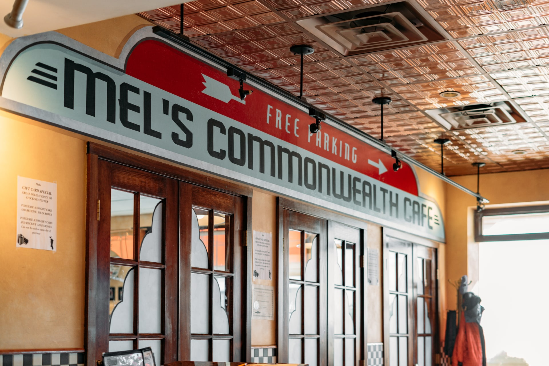 Mel's Commonwealth Cafe
