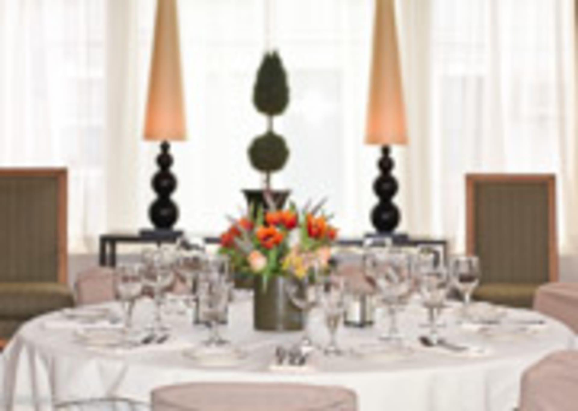 salon table with decor