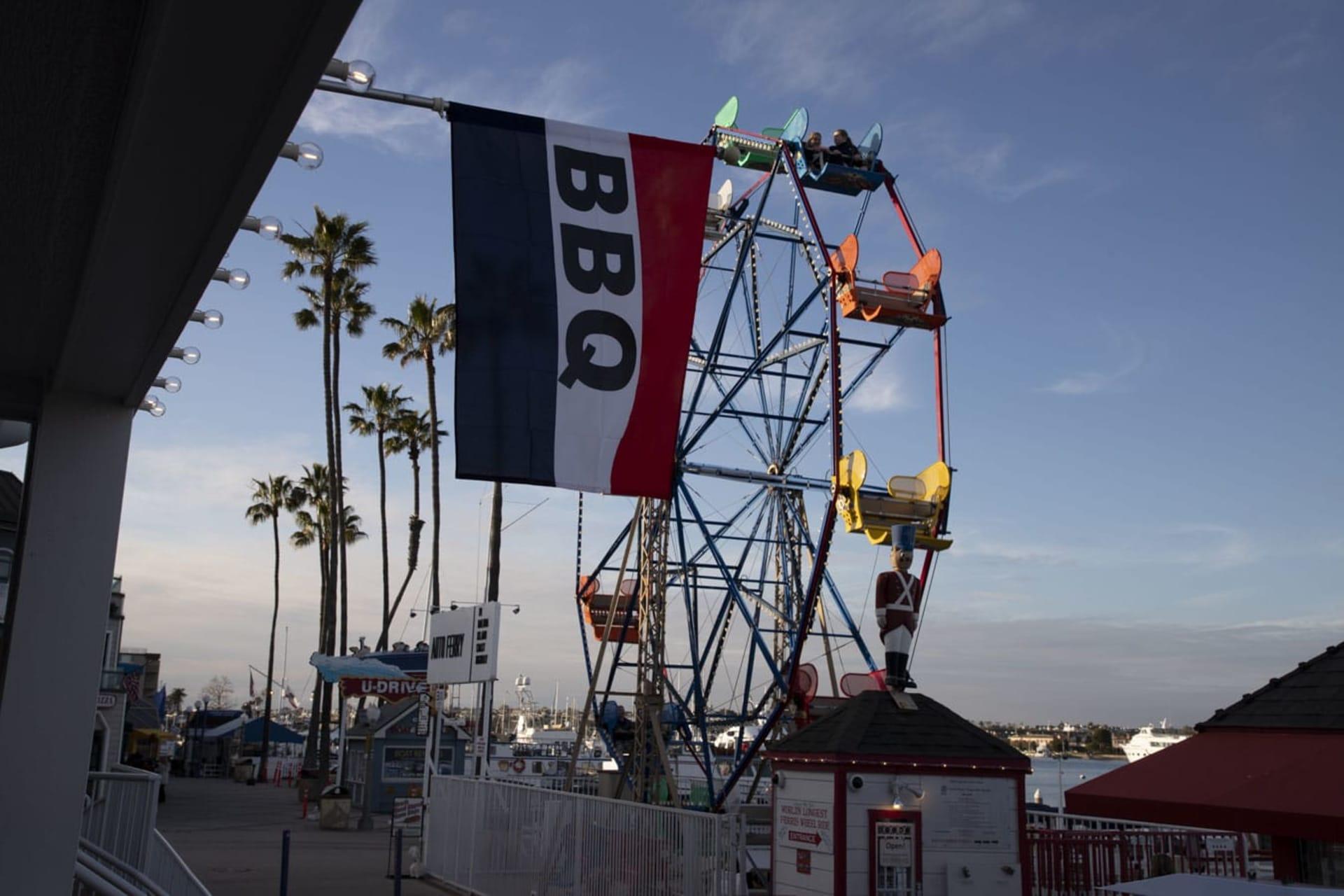 BBQ flag and ferris wheel