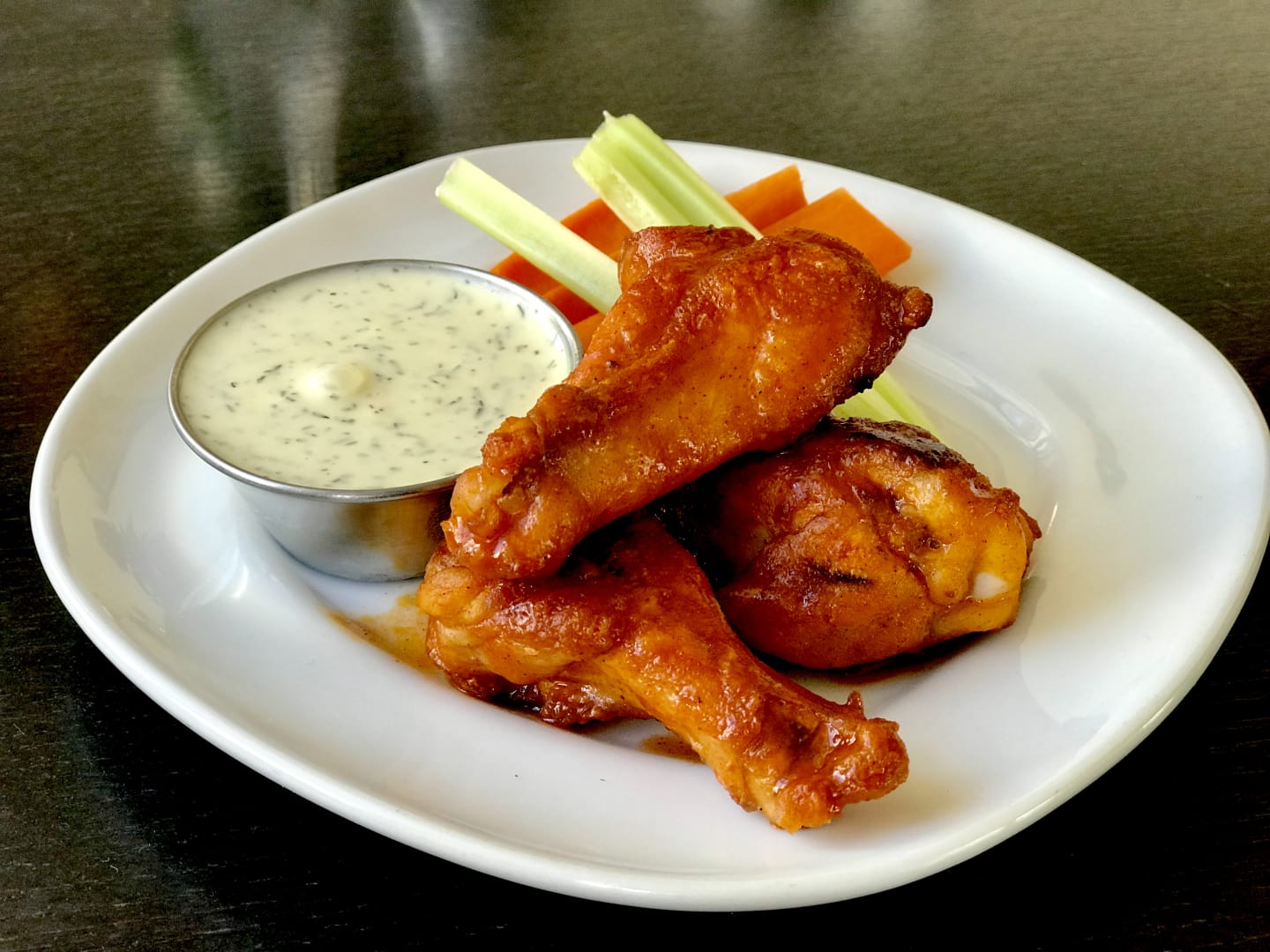 Chicken Hot Wings w/ Baby Carrots, Celery & Ranch