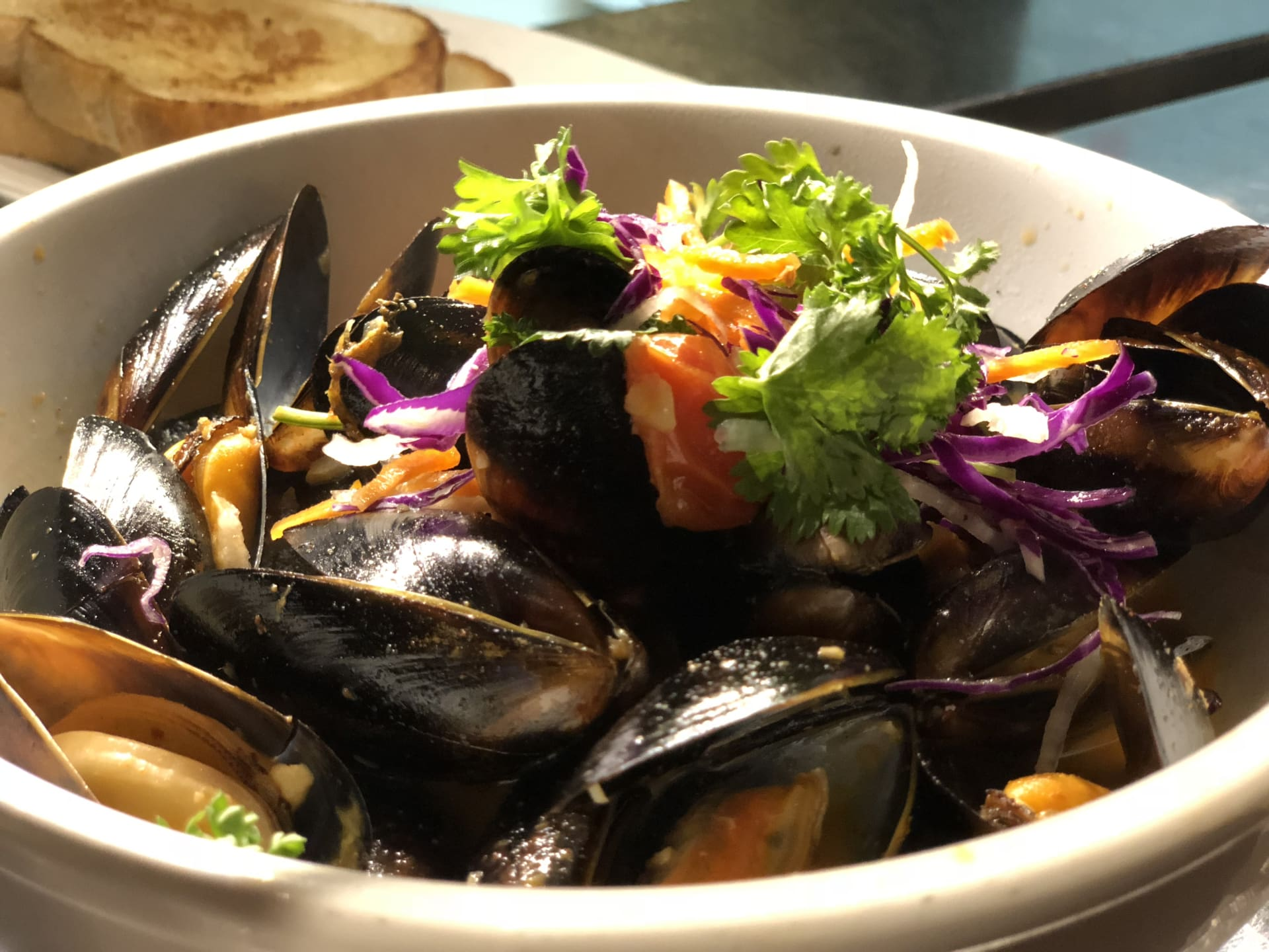 Lemongrass Steamed Mussels