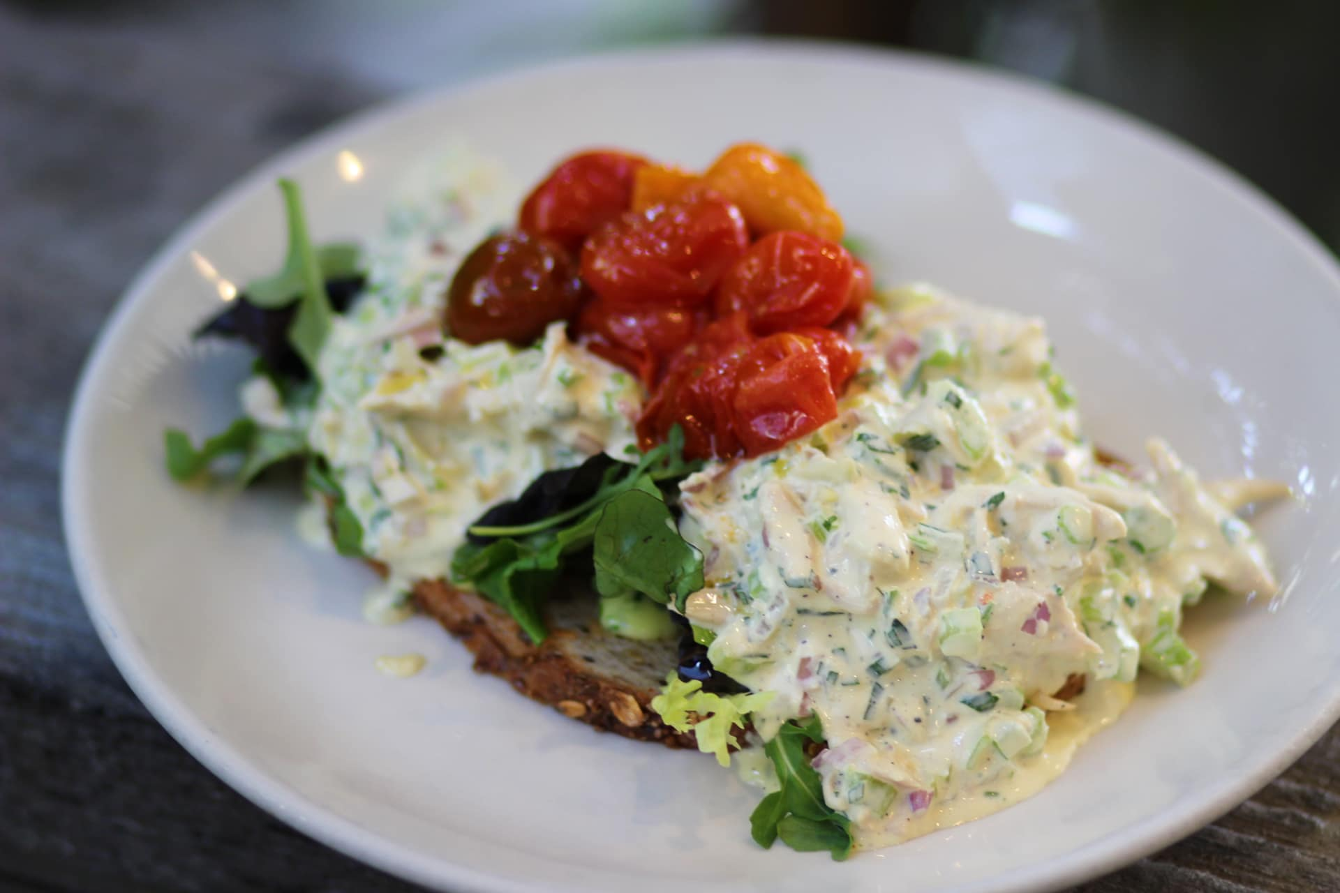 HERB CHICKEN SALAD TARTINE